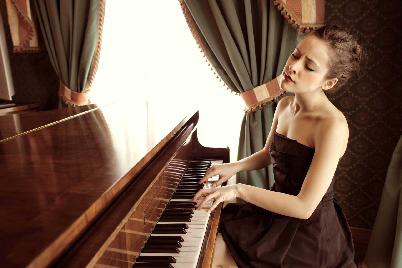Classical music sad piano